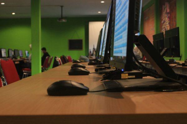 ruangan praktek jurusan Animasi di SMK Negeri 2 Cimahi